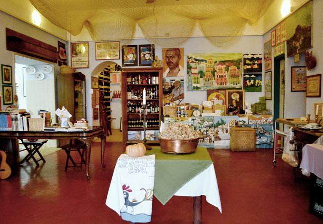 Εστιατόριο Μεσογειακής κουζίνας στη Σύμη